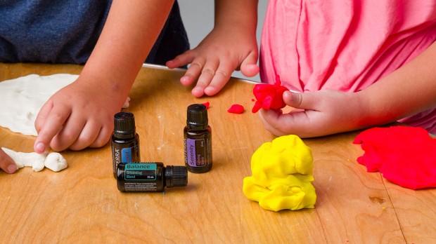 aromatherapy-playdough-us-english-web-2-